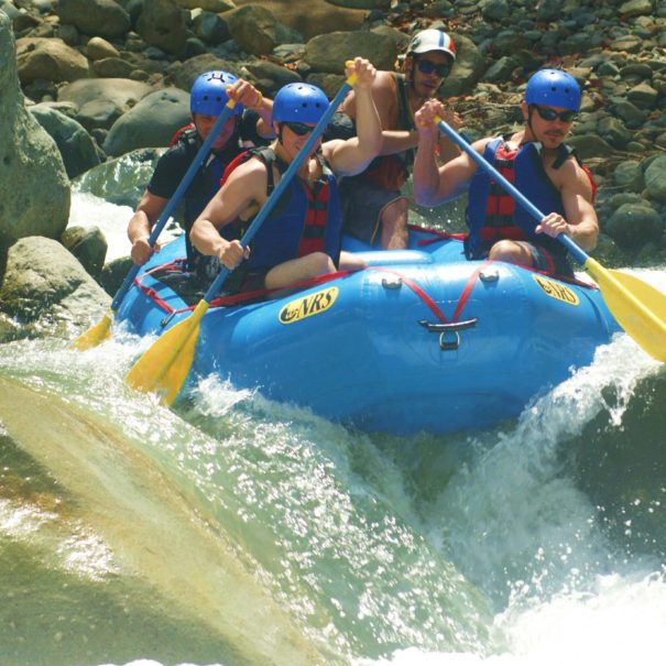 el-chorro-class-iv-and-v-pro-rafting-4